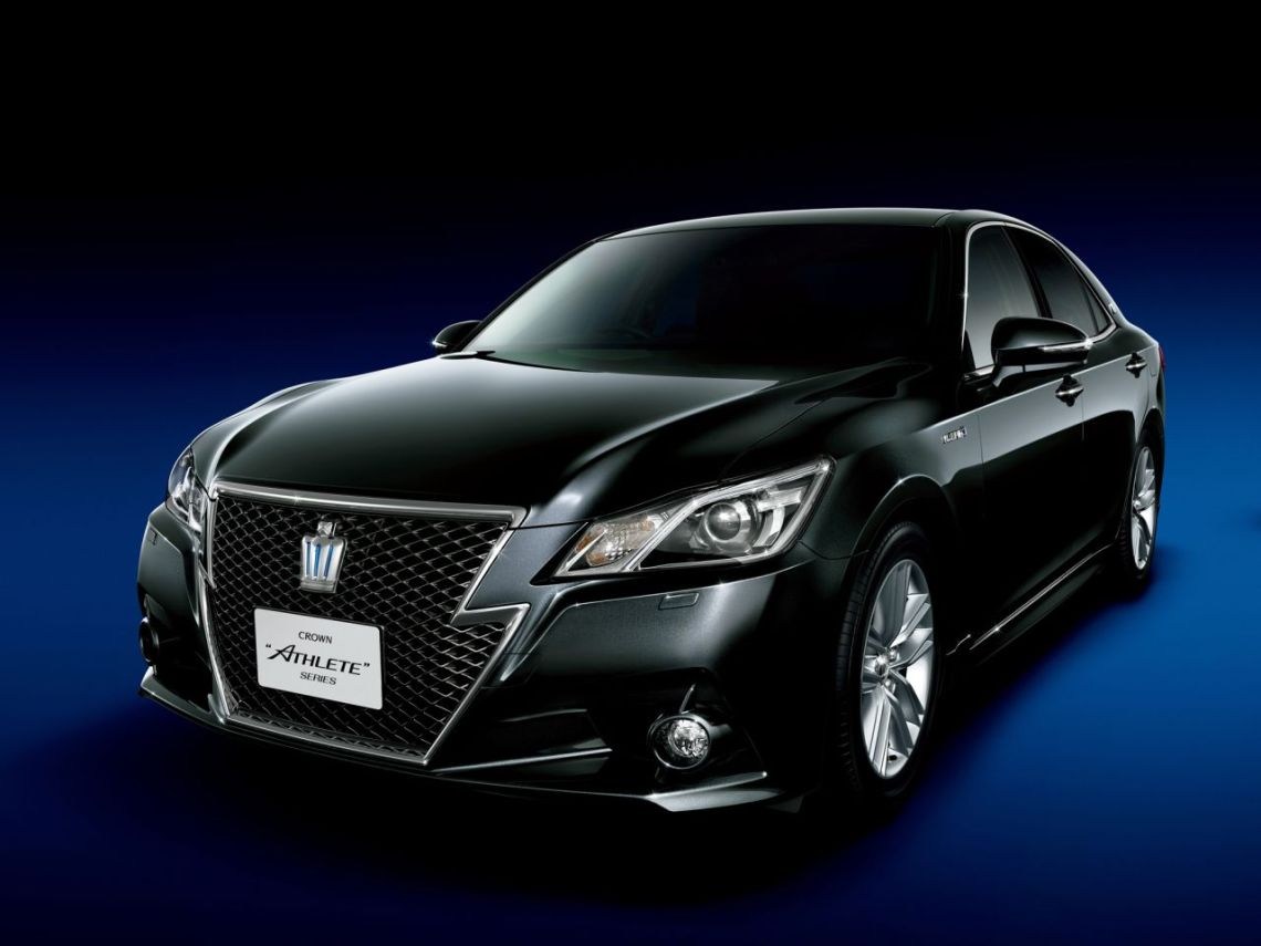 Toyota-Crown-2012-04