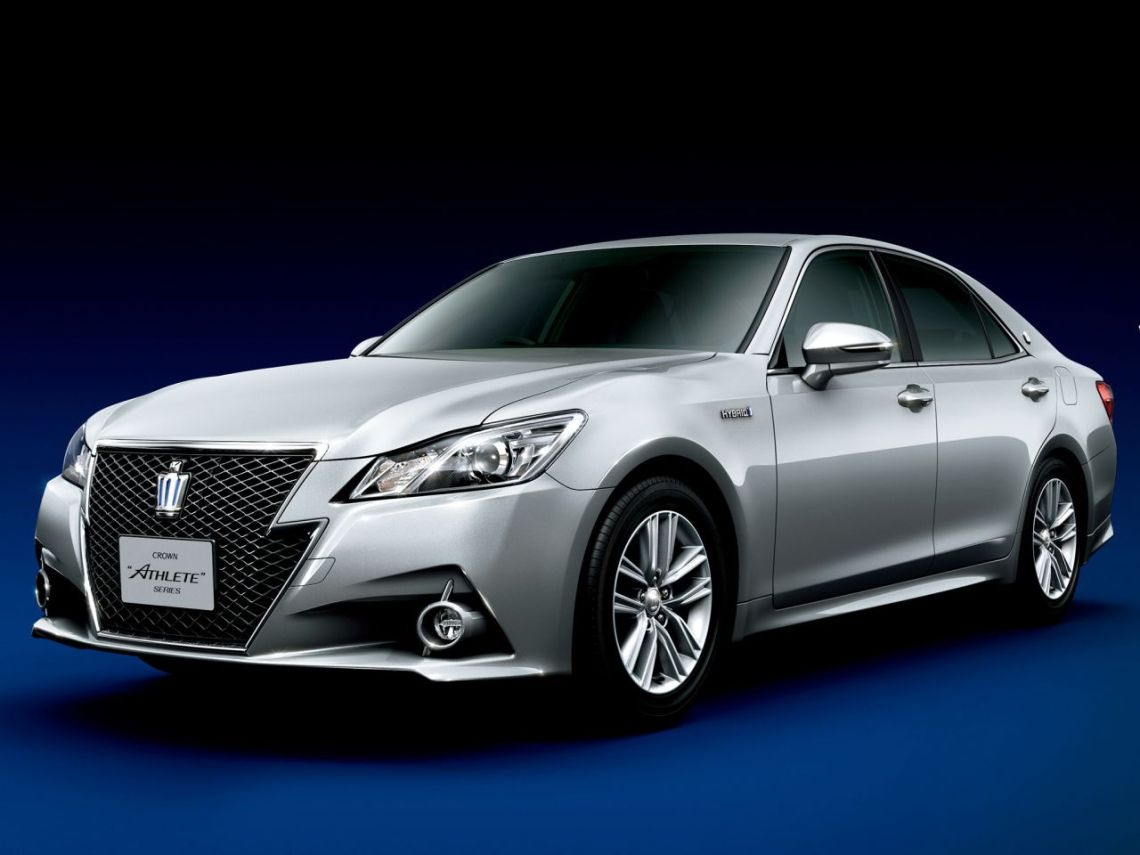 Toyota-Crown-2012-05