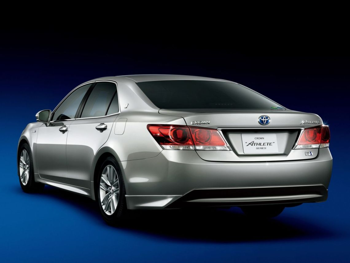 Toyota-Crown-2012-10