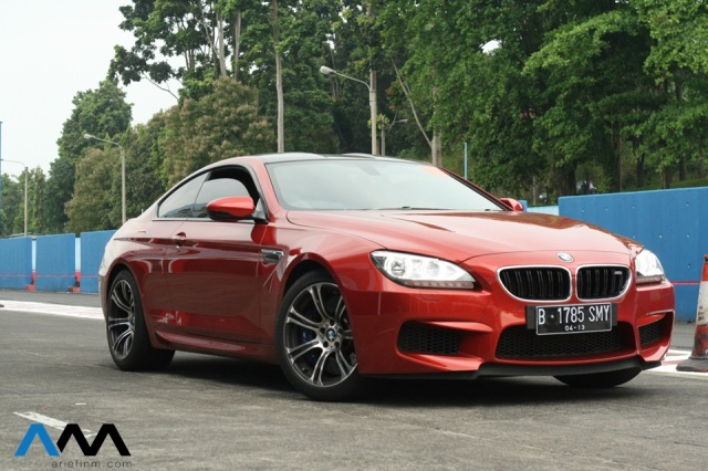 BMW M6 front