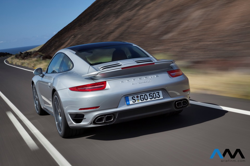 911_turbo_exterior_back