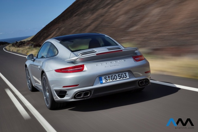 911_turbo_exterior_back
