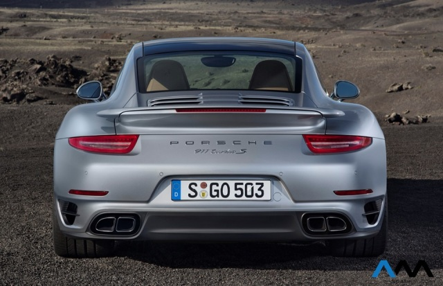 911_turbo_exterior_full_back