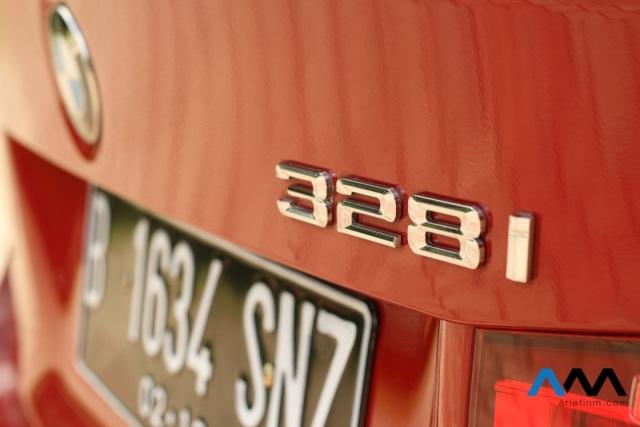 emblem 328i